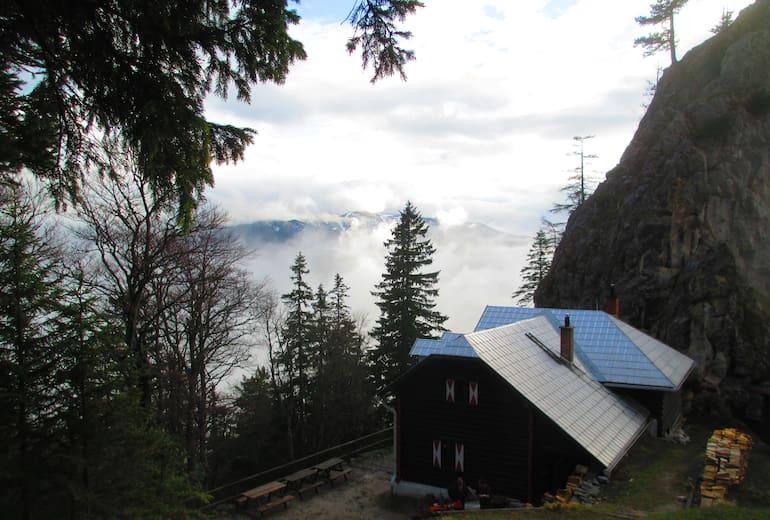 Kienthaler Hütte: Außenansicht Sommer
