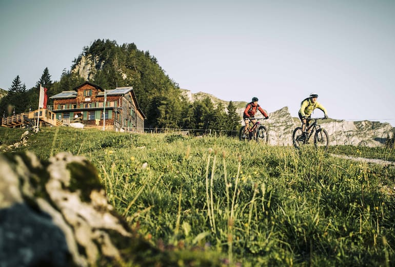 Die Bayreuther Hütte im Rofan ist auch mit dem Bike zu erreichen.