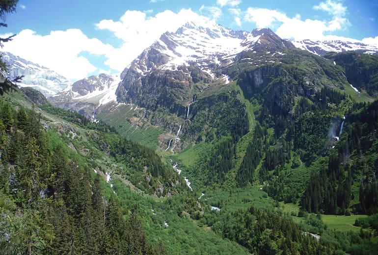 Lage der Hüfihütte im Maderanertal links oben