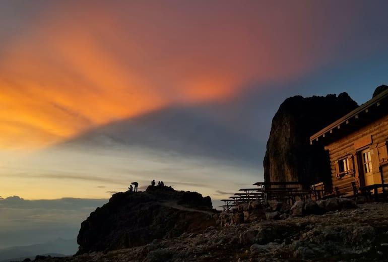 Santnerpasshütte in der Abendstimmung