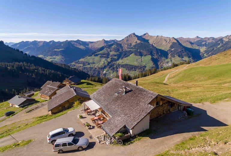 Die Breithornhütte - Blick ins Tal