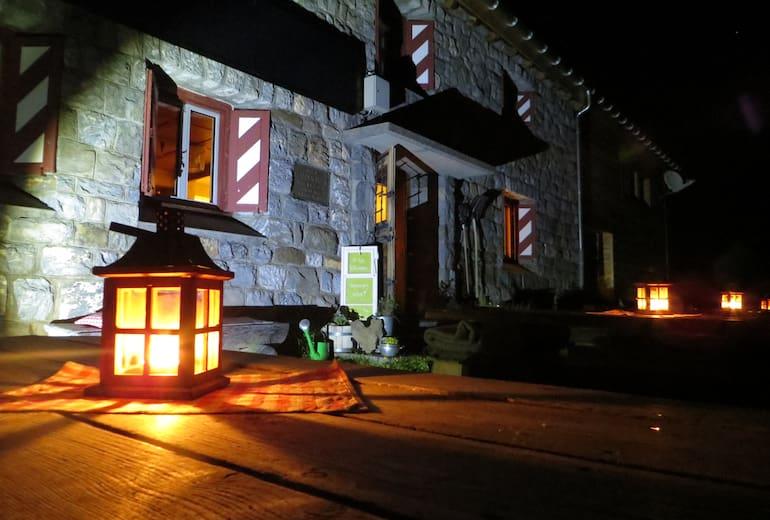 Claridenhütte bei Nacht