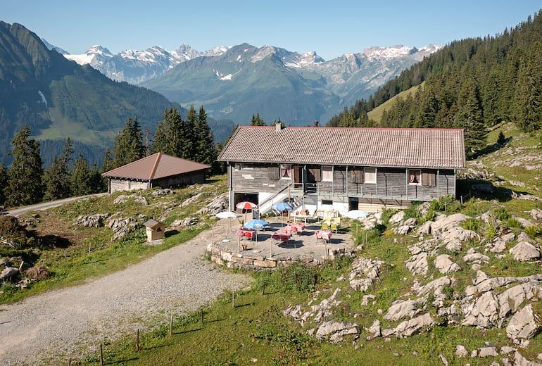 Das Berghaus Hintisberg liegt besonders ruhig in den Berner Alpen.