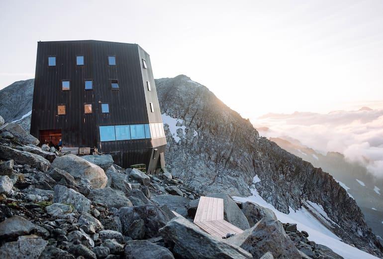 Die Schwarzensteinhütte