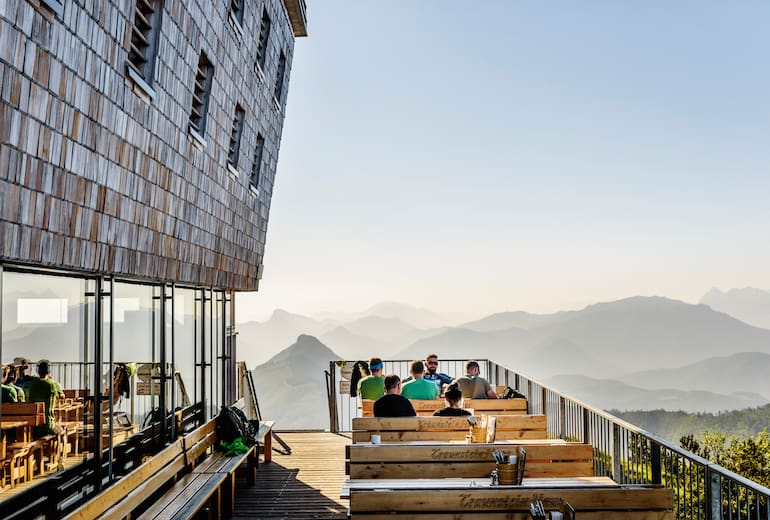 Terrasse am Traunsteinhaus