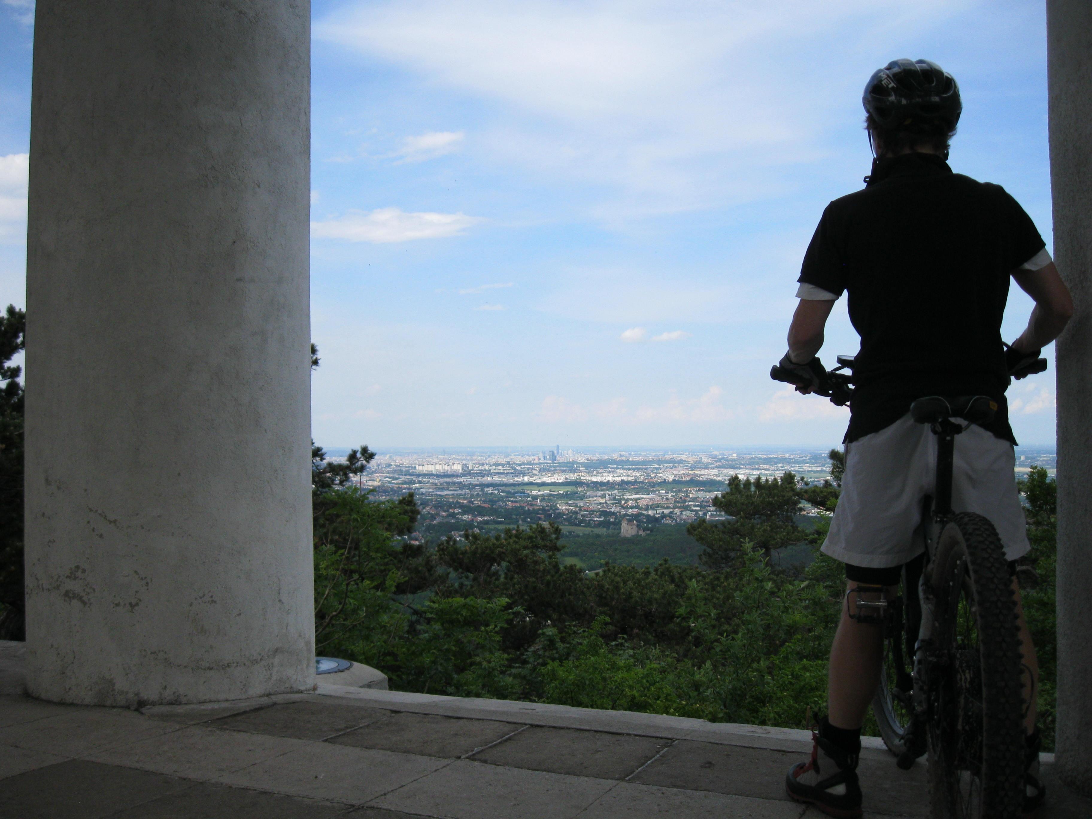 Mountainbike Husarentempel Am Kleinen Anninger 33km Bergwelten Expedition E 6730 M Black Grey Alle Fotos Anzeigen