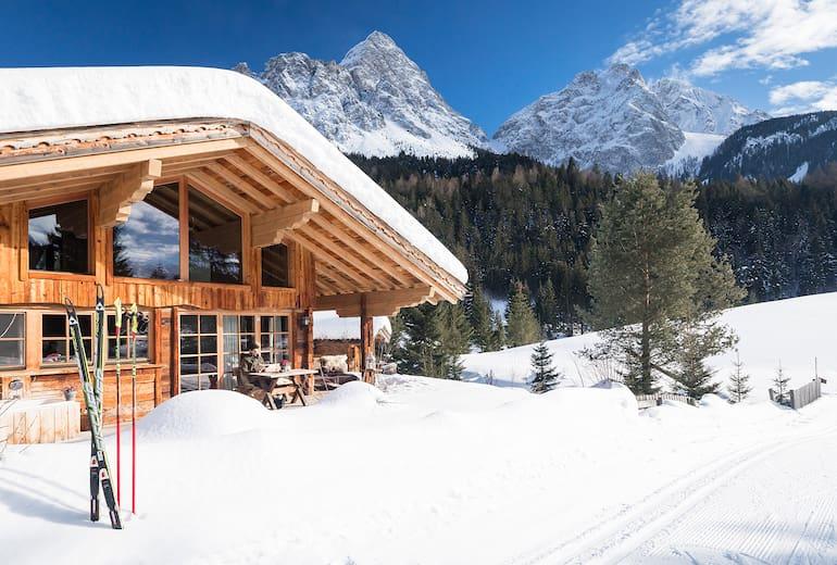 Chalet Resort LaPosch Außenansicht Winter