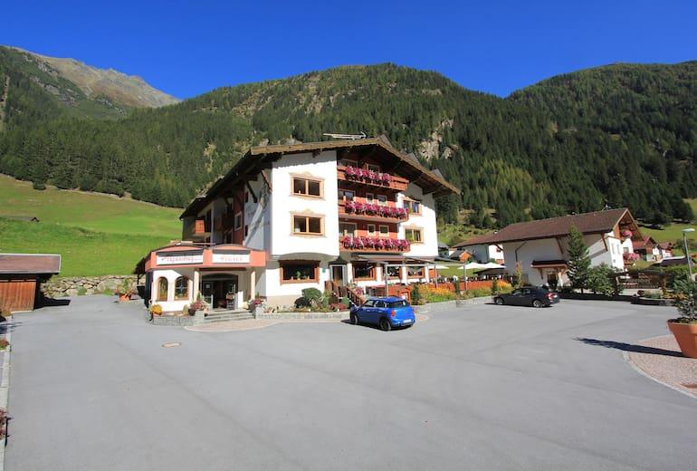 Hotel Alpenhof Aussen