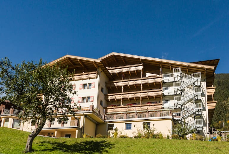 Hotel-Persal-Aussen