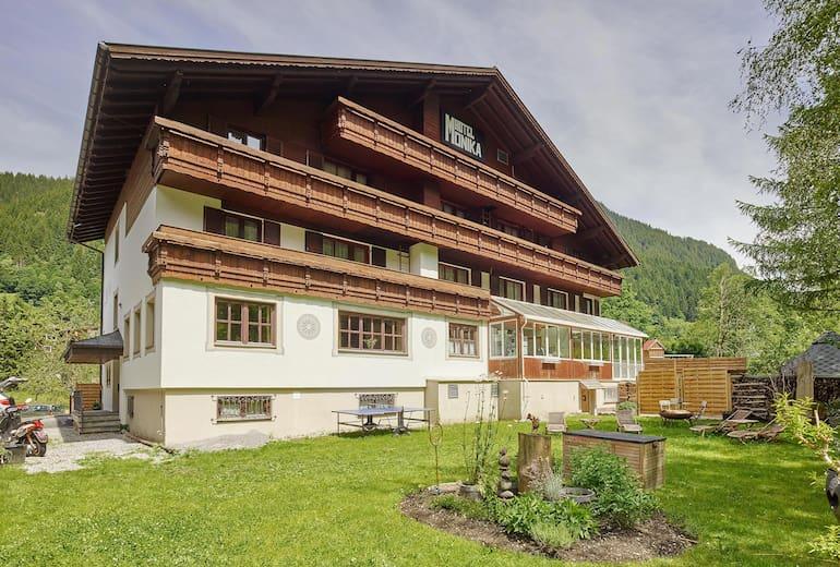 Hotel Monika Aussenansicht