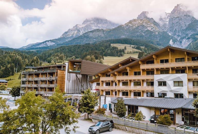 Hotel Salzburger Hof Leogang Aussenansicht