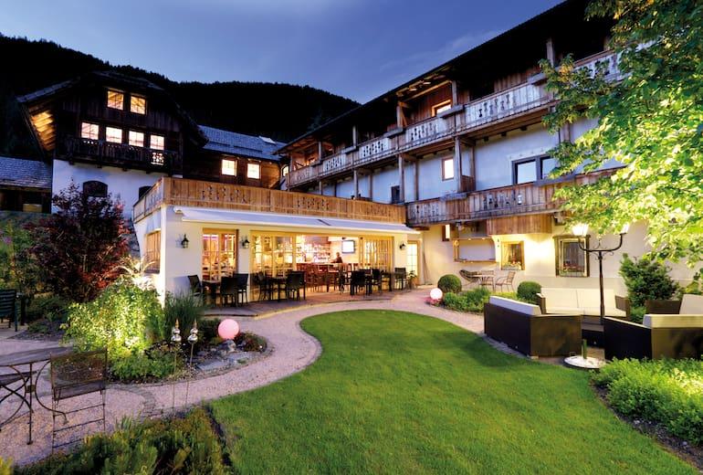 Hotel Gasthof Weißensee Aussen